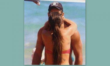 Καυτά φιλιά στη παραλία
