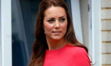 Είναι αξιαγάπητη: Η κίνηση αυτή της Kate Middleton αξίζει πολλά χειροκροτήματα