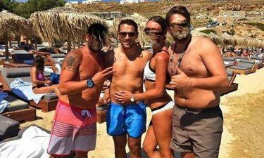 Ρε Βέρτη μας δουλεύεις; Η Ελλάδα σε κρίσιμες ώρες κι εσύ στη Μύκονο; (Nassos blog)