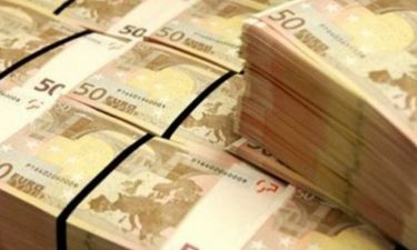 «Βόμβα»: Πολιτικός του «ΝΑΙ» μετέφερε με κλειστές τράπεζες ένα εκατ. ευρώ στο εξωτερικό!