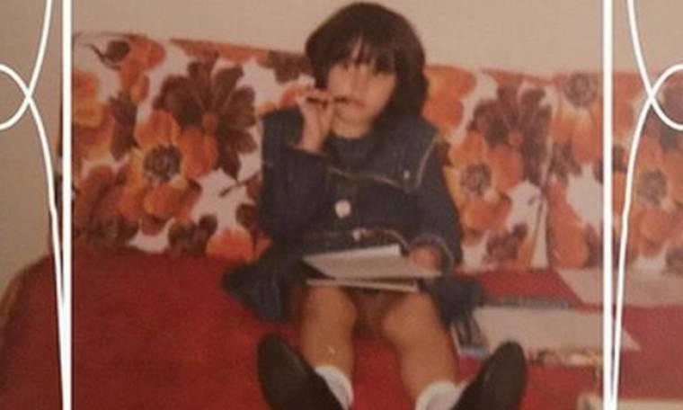 Ελληνίδα παρουσιάστρια έχει γενέθλια και «βομβαρδίζει» το instagram με παιδικές φωτογραφίες