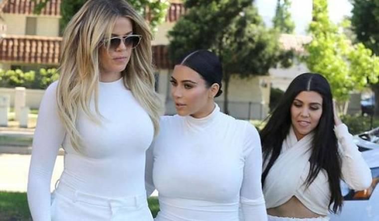 Kourtney Kardashian: Χώρισε και οι αδελφές της την στηρίζουν