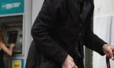 Η απίστευτη ατάκα γιαγιάς σε ΑΤΜ στην Πανόρμου!