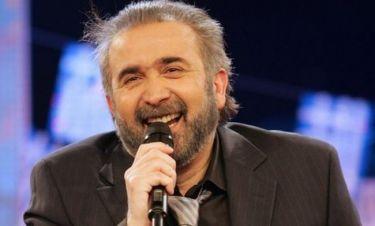 Λάκης Λαζόπουλος: «Θα σκύβουμε και θα μας καρφώνουν τα υπόθετα απ' τον ουρανό»