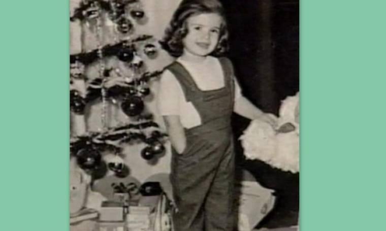 Ποια Ελληνίδα ηθοποιός είναι η μικρή της φωτογραφίας;