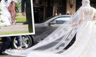 Γάμος… φιάσκο: Πιάστηκε το νυφικό της στην Bentley και τραβήχτηκε τόσο πολύ που τα… είδαμε όλα!