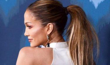 Πώς είναι το σώμα της χωρίς ρετούς; Δείτε την Jennifer Lopez με καυτή ολόσωμη φόρμα!