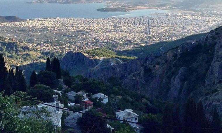 Ελληνίδα παρουσιάστρια ξυπνάει βλέποντας αυτή τη θέα στις διακοπές της