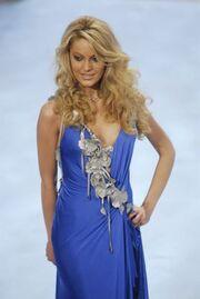 Δέσποινα Βλεπάκη: Πριν στριμώξει τον Βαρουφάκη ήταν μοντέλο και διαγωνιζόταν για Σταρ Ελλάς 2007