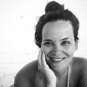 H Ελληνίδα δημοσιογράφος παίζει κρυφτό με τη κορούλα της και εμείς λιώσαμε (φωτό)