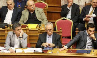 Τι γράφει ο διεθνής Τύπος για την ψήφιση των προαπαιτούμενων από την ελληνική Βουλή
