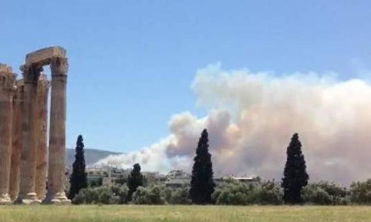 Οι σοκαριστικές εικόνες της πυρκαγιάς του ρεπόρτερ του BBC από τους Στύλους του Ολυμπίου Διός