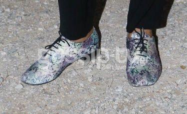 Ποια πήγε στην Επίδαυρο με αυτά τα παπούτσια;