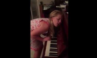 Απίστευτο βίντεο! 12χρονη υπνοβατεί και… παίζει πιάνο!