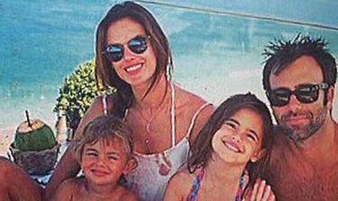 Alessandra Ambrosio: Οικογενειακές διακοπές στο Ρίο