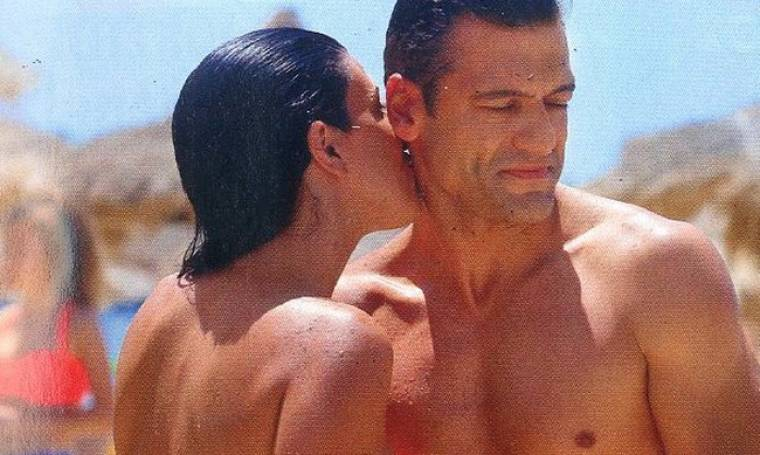 Στέλιος Κρητικός: Full in love στην παραλία!
