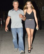 Βραδινή έξοδο με την κόρη του!