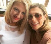 Δύσκολο να την βρείτε! Ποιας Ελληνίδας ηθοποιού είναι αδελφή η κυρία;