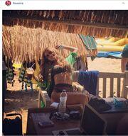 Φουρέιρα: Το κορμί τεντώνεται στην παραλία και «κολάζει»!