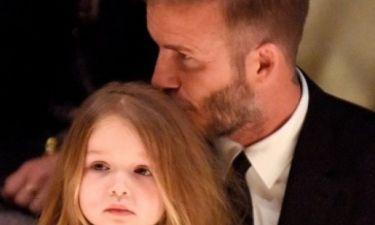 Υπερβολικό; Η«συνήθεια» της Harper Beckham που έχει ξεσηκώσει τους παιδοψυχολόγους