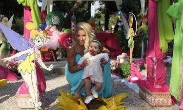 Η Βούλα Παπαχρήστου βάφτισε την κορούλα της