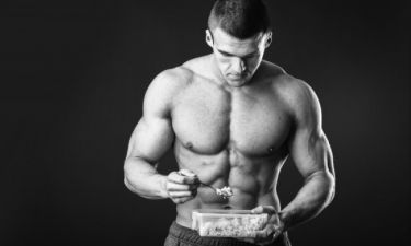 Οι 6 απόλυτες τροφές για να χτίσει ο άνδρας μυϊκή μάζα