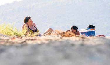Ζωή Κωνσταντοπούλου: Νέες φωτογραφίες από τις διακοπές της με τον σύζυγό της