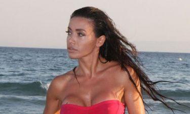 Όλγα Φαρμάκη: Έβαλε το καυτό σορτσάκι της και έκανε βραδινή προπόνηση