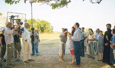 Τζόρτζ Στεφανόπουλος: Παραγωγός της ταινίας «Swing Away» με ελληνοαμερικάνικο καστ