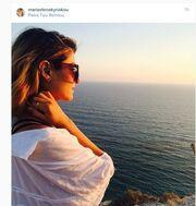 Μαρία Έλενα Κυριάκου: Κοιτάζοντας το απέραντο γαλάζιο «απαγγέλλει» Σαίξπηρ!