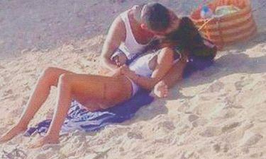 «Καυτά» φιλιά σε παραλία της Πάτμου