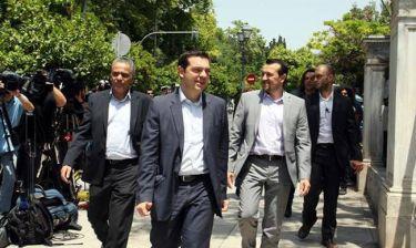 Πρόωρες εκλογές: Στον Παυλόπουλο ο Νίκος Παππάς - Κρίσιμες οι επόμενες ώρες