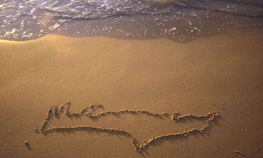 Απίστευτο! Τουρίστρια από την Ολλανδία φώναζε σε Ελληνίδα ότι η παραλία της ανήκε!