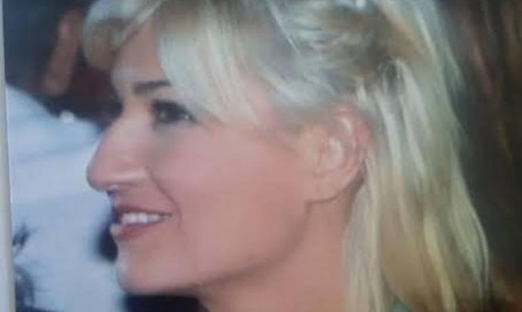 Την αναγνωρίζετε; Είναι η Φαίη Σκορδά με μεγάλη γαμψή μύτη… (Nassos blog)