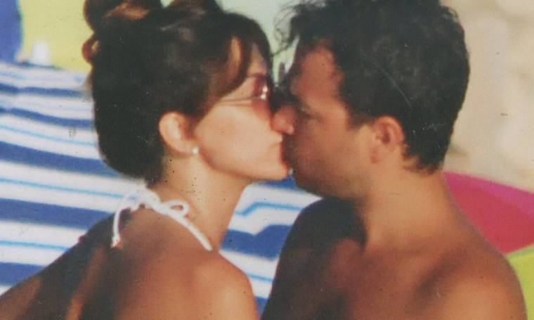 Φιλιά στην παραλία της Δονούσας