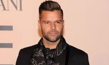 Ricky Martin: «Είναι ρατσιστής, παρανοϊκός και ασυνάρτητος»- Σε ποιον τα «χώνει»;