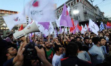 Εκλογές 2015 - Η Νεολαία ΣΥΡΙΖΑ «γυρνά την πλάτη» στον Τσίπρα