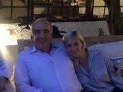 Η Ντόρα Μπακογιάννη μας δείχνει τον Βαγγέλη Μεϊμαράκη αγκαλιά με την κόρη του