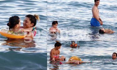 Οικογενειακή ευτυχία on the beach