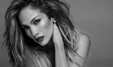 Μας… κούφανε! Πως καταφέρνει η Jennifer Lopez να μην φορά δεύτερη φορά το ίδιο ρούχο;