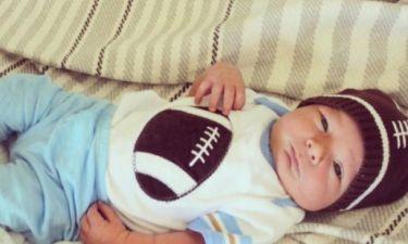 Είναι πανέμορφος: H star μας δείχνει για πρώτη φορά τον νεογέννητο γιο της
