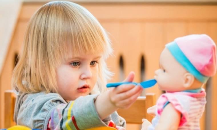 Πάρτε τις κούκλες από τα κορίτσια, λένε τώρα οι επιστήμονες...