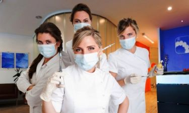 Τα 12 ζώδια πάνε οδοντίατρο - Ο καθένας με τον πόνο του!