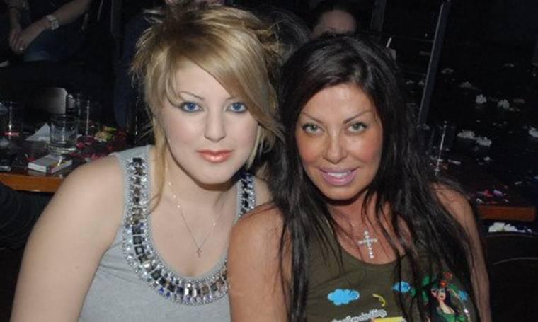 Το ξέσπασμα της κόρης της Άντζελας στο facebook: «Σούργελο, μπάσταρδο, κακομαθημένο…»