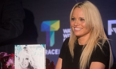 Pamela Anderson: Εντυπωσίασε με εμφάνισή της, παρ' όλο που είναι στο κατώφλι των… 50!