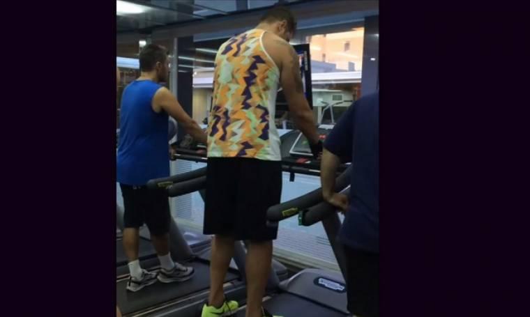 Τι άλλο θα δούμε! Δείτε τι έκανε ο Χολίδης στον διάδρομο του γυμναστηρίου