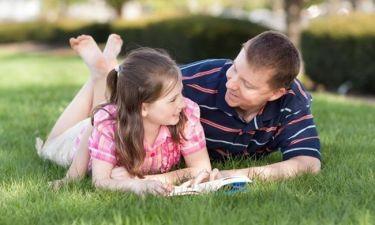 Συμβουλές προς όλους τους μπαμπάδες: Έτσι θα κερδίσετε την καρδιά της κόρης σας!