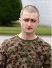 Αγνώριστος ο Daniel Radcliffe!
