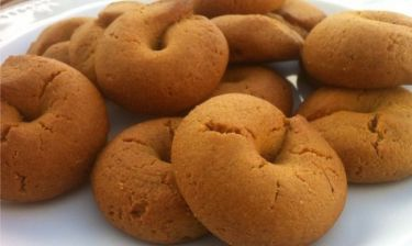 Συνταγή για αφράτα κουλουράκια κανέλας εύκολα και γρήγορα