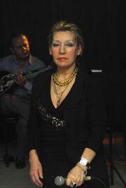 Έδιναν σε Ελληνίδα τραγουδίστρια 6 μήνες ζωής και εκείνη νίκησε τον καρκίνο